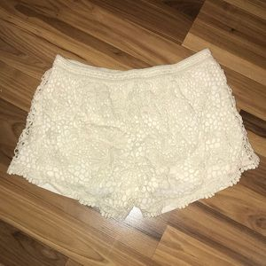 Mossimo cream shorts with lace overlay